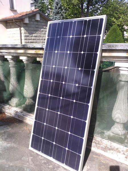 Quanto Carica Un Pannello Solare Da 100w : Liberamente tv p pannello solare fotovoltaico w